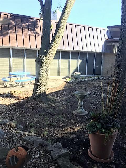 Indian Creek Courtyard2